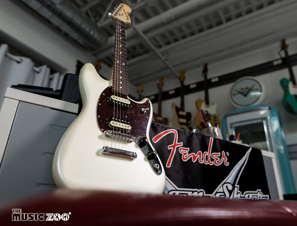 Fender American Special Mustang Limited Edition Olympic White