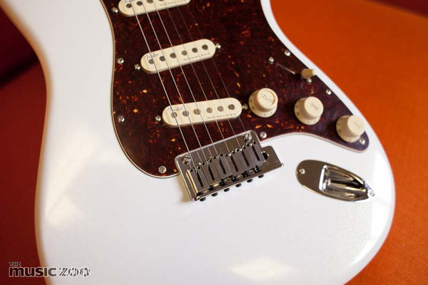 Fender American Ultra Stratocaster The Music Zoo Review