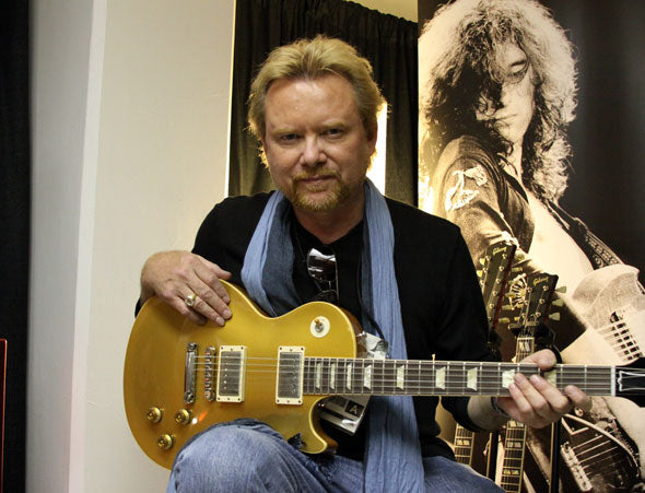 Video: Lee Roy Parnell's Goldtop Les Paul