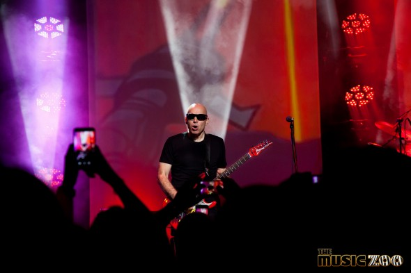 Joe Satriani (2 of 3)