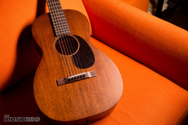 Martin Custom Shop Style 15 0 Short Scale Acoustic The Music Zoo Review and Video