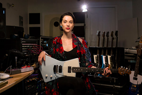 st vincent signature guitar Annie photo