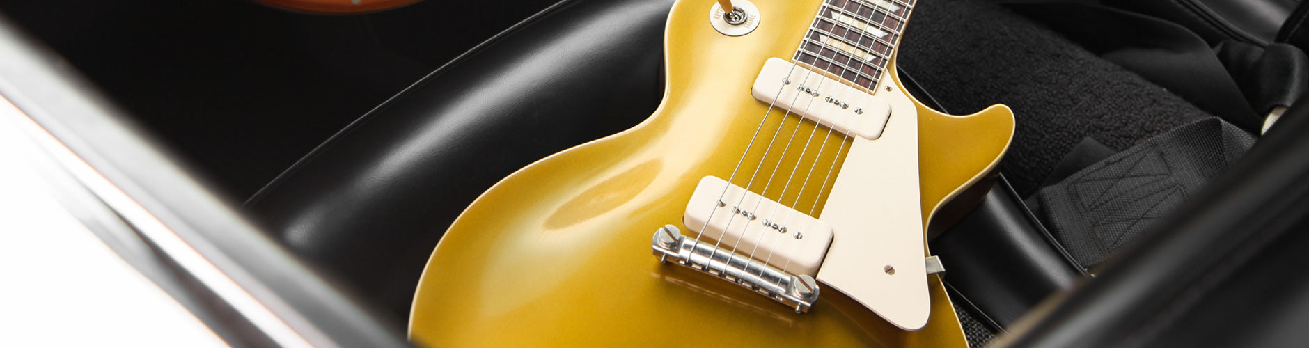 Les Paul Guitars At The Music Zoo