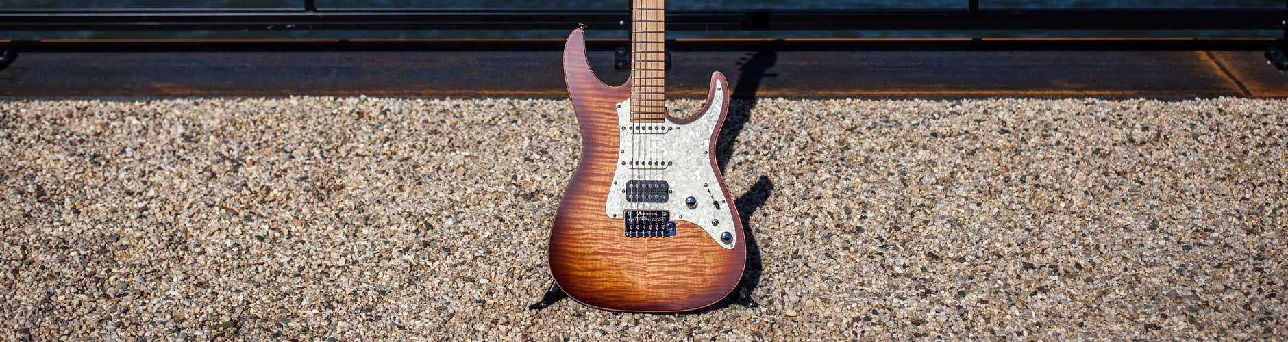 Tom Anderson Guitars At The Music Zoo