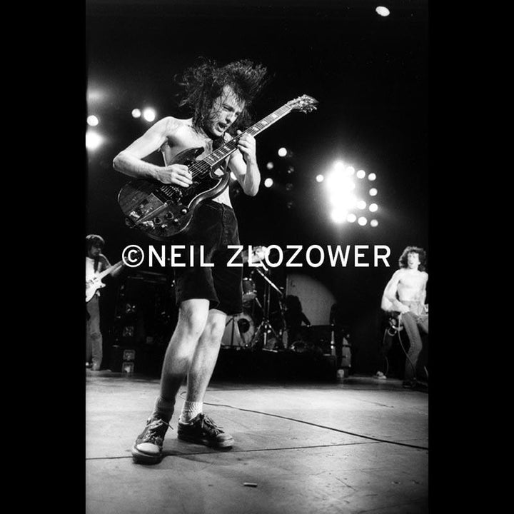 Angus Young Photo By Neil Zlozower 16 x 20 1979 NZ-AC1