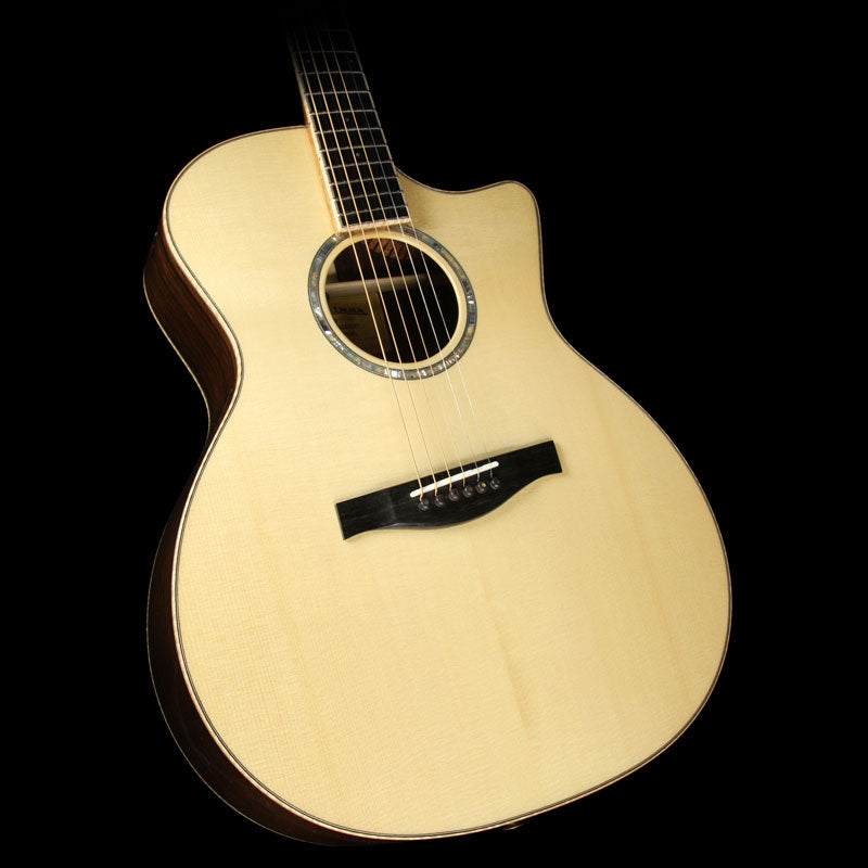 Eastman AC822CE Fanned Fret Acoustic/Electric Guitar Natural