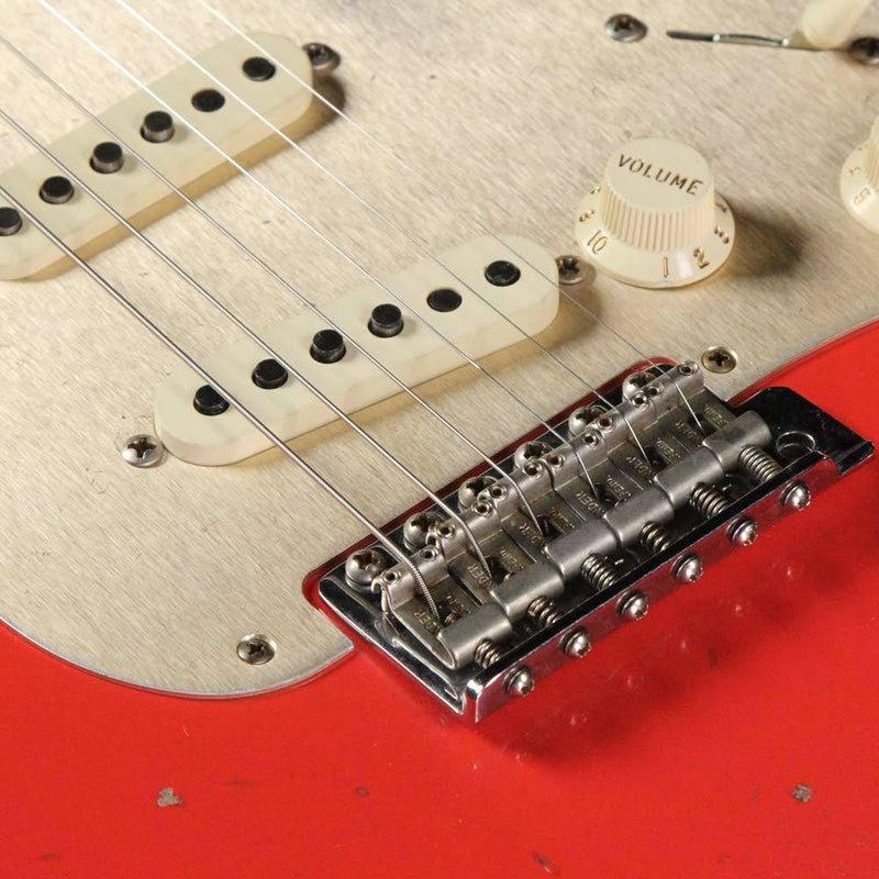 Fender Custom Shop Limited Edition 1959 Stratocaster Heavy Relic Electric Guitar Aged Fiesta Red CZ533583