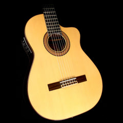Used Raimundo 680-E Classical Acoustic-Electric Guitar Natural