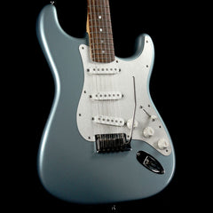 Fender American Deluxe Stratocaster FSR Limited Edition Ice Blue Metallic 2012