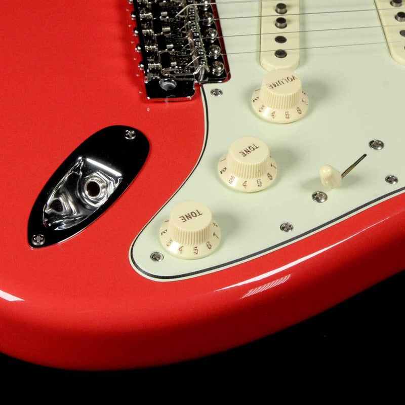 Fender Classic Series '60s Stratocaster Lacquer Fiesta Red