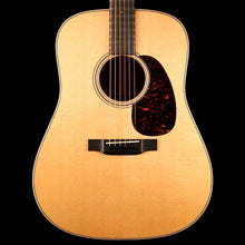 Martin Custom Shop Style 18 Dreadnought Black Walnut Natural