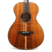 Taylor Custom Shop Grand Concert 12-Fret Hawaiian Koa Acoustic-Electric Natural