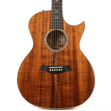 Taylor Custom Shop Grand Auditorium Florentine Cutaway Hawaiian Koa Natural