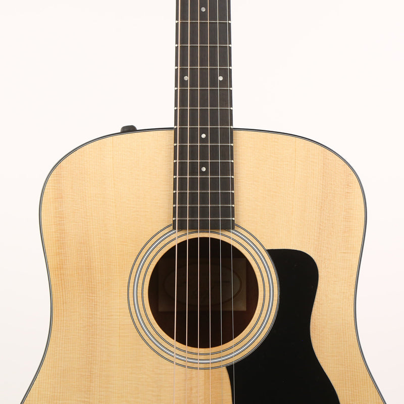 Taylor 110e Dreadnought Acoustic-Electric Guitar Walnut F101000011005151000