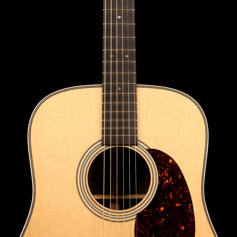 Martin D-28 Modern Deluxe Acoustic Gloss Natural 2251938