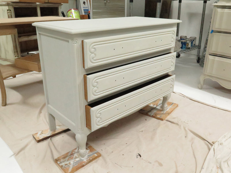 primed french dresser