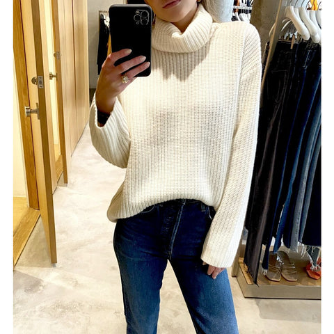 NILI LOTAN LAYLA CASHMERE TURTLENECK SWEATER IN CREAM