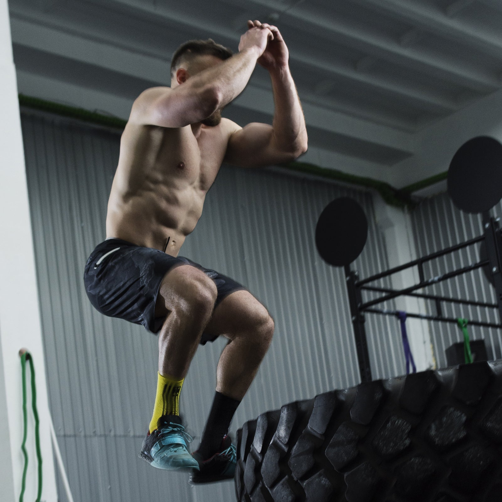 Crossfit - Jump on tyre exercise - Prosource