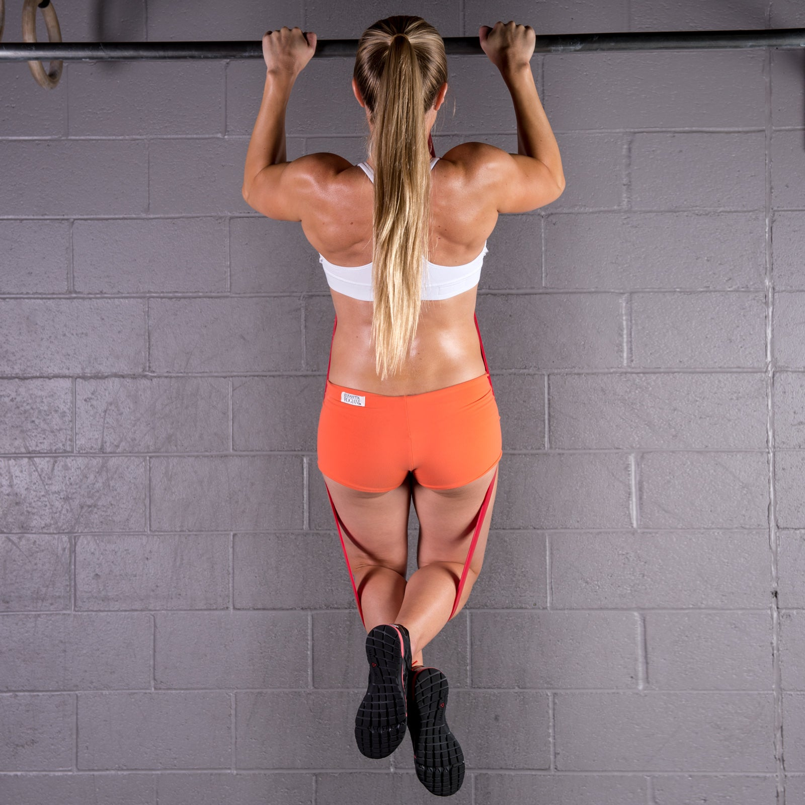 Crossfit - Pull-ups using resistance bands