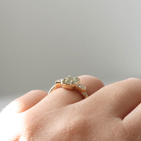 Low profile cushion engagement ring