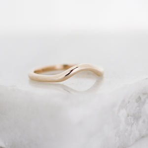 Simple Wave Band in Yellow Gold - ready to ship - Yuliya Chorna Jewellery