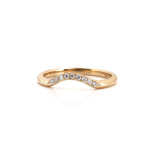 Diamond contour band in yellow gold