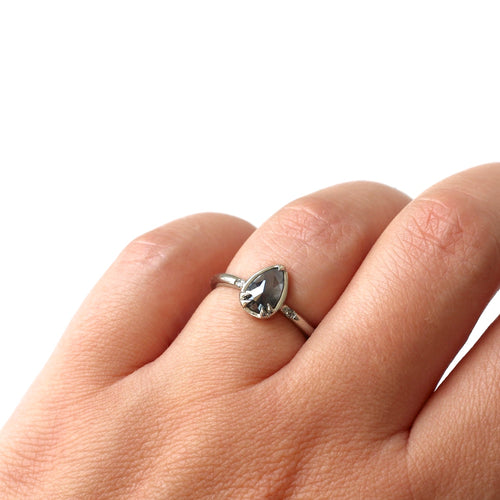 Grey Pear Claw Ring