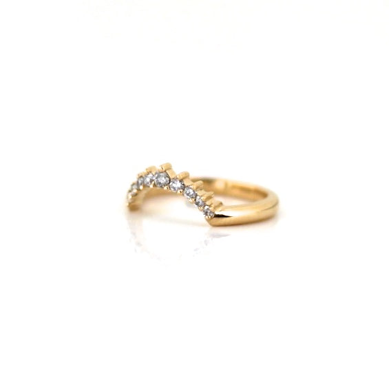 Sahara diamond wave wedding band in solid gold