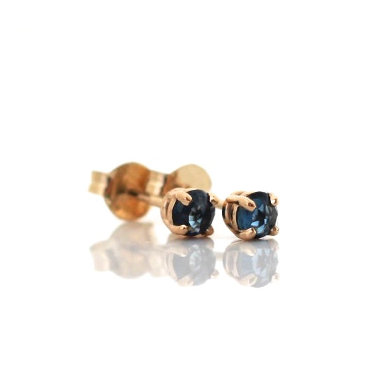 Small blue sapphire yellow gold earrings