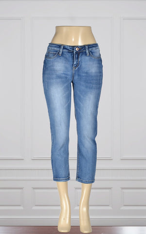 Pretty denim capris by  Point Zero (8816043)