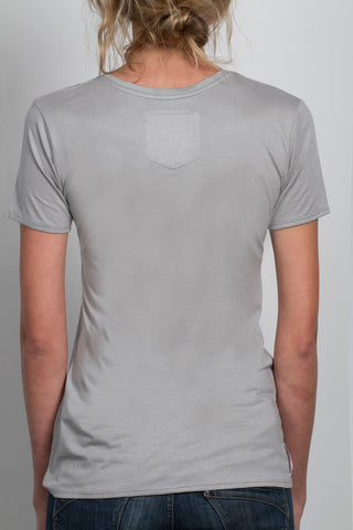 THE MOTO_signature grey vneck tee