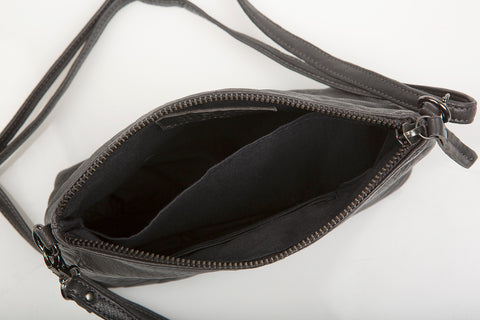 Love THAT leather Pouch Bag BLACK