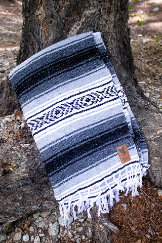 Adventure Aztec Blanket - LIGHT GRAY - Extra Large -