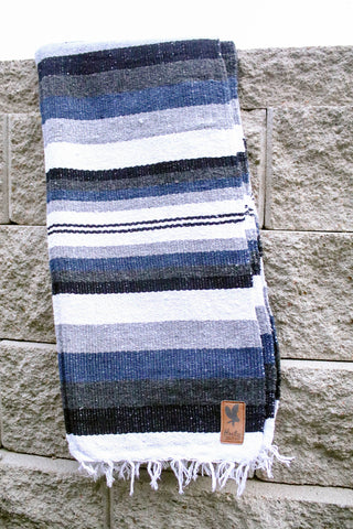 Adventure Diamond Aztec Blanket - BLUE/WHITE