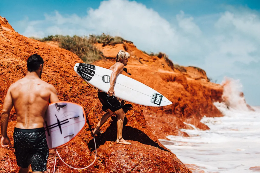 HARRY BRYANT GOES HUNTING FOR SURF DEEP IN THE JAWS OF OZ WITH RED BULL SURFING & JAY DAVIES