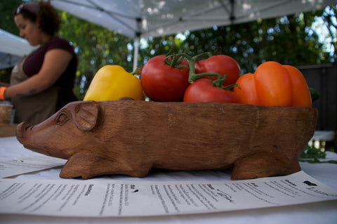 Pig & Tomatoes
