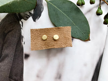 Load image into Gallery viewer, 14K Gold Circle Stud Earrings