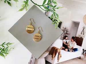 Julia Earrings (Oval, Matte Gold)