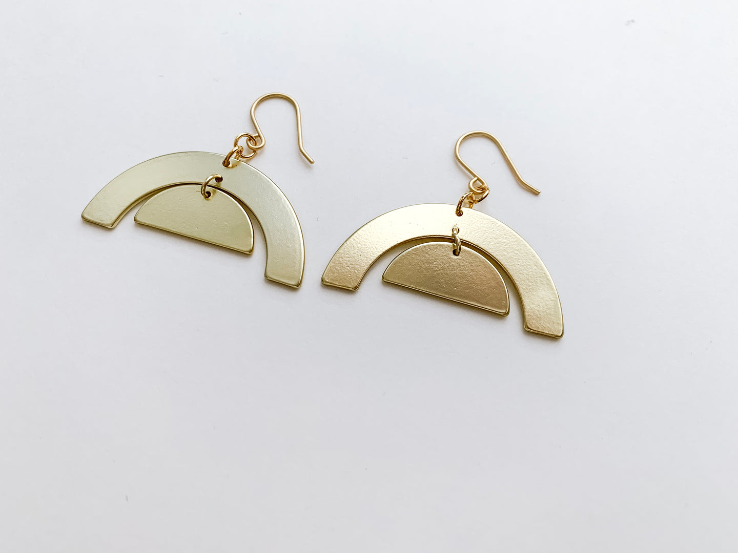 PERFECTLY IMPERFECT Julia Earrings (Arches, Matte Gold)