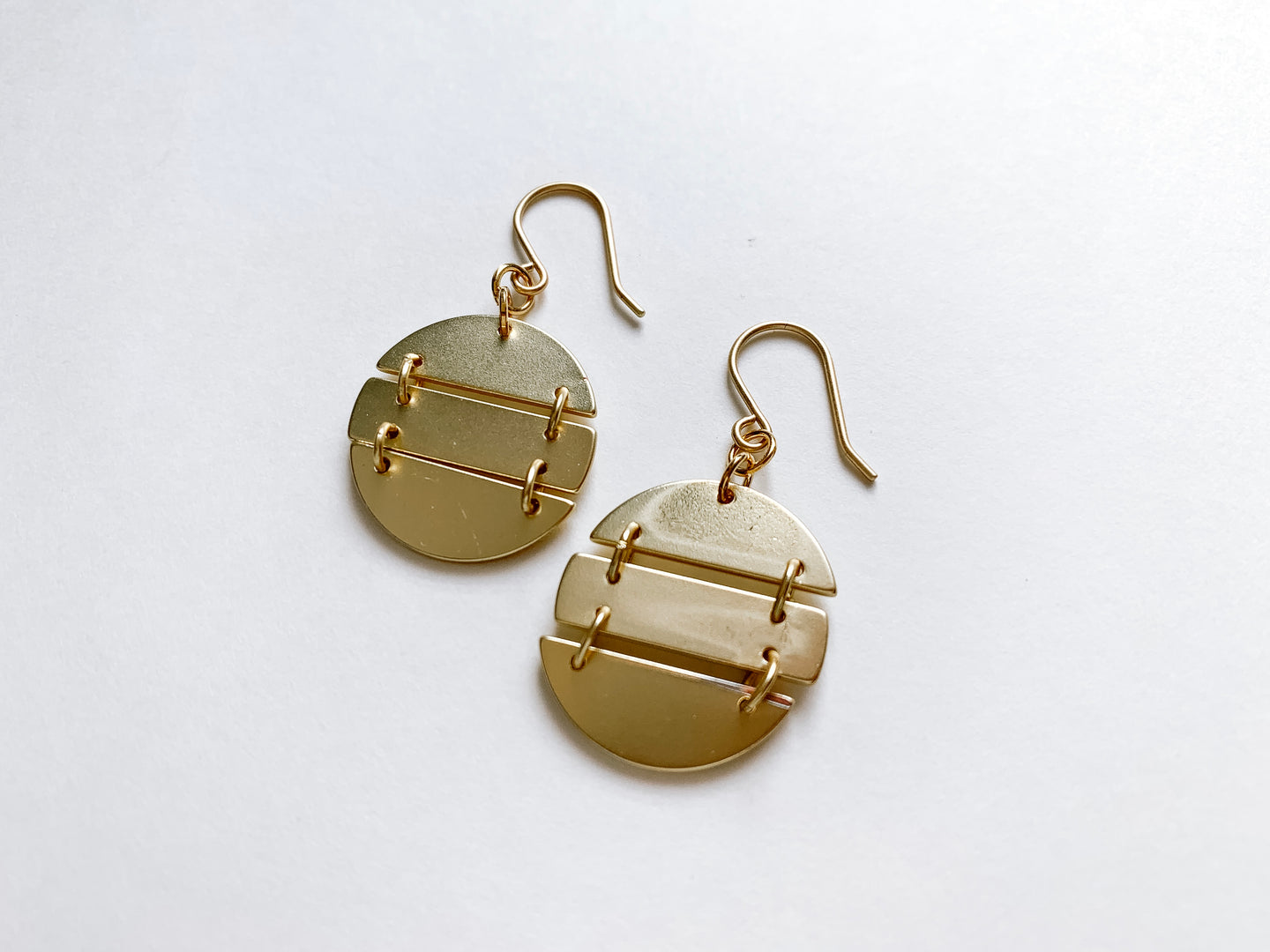 PERFECTLY IMPERFECT Julia Earrings (Oval, Matte Gold)