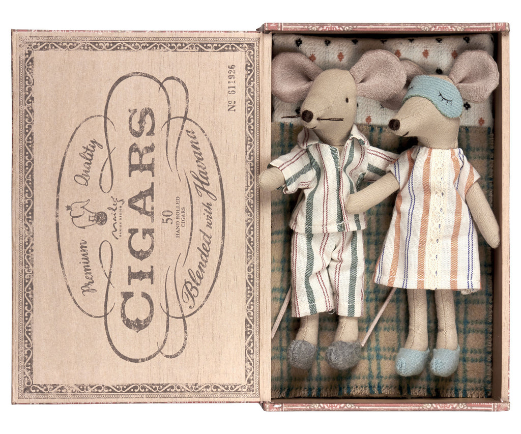 Maileg Mum & Dad Mice in Cigarbox