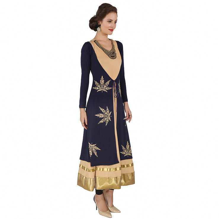 A sleeveless inner with jewel neckline and gold printed jacket - Ira Soleil