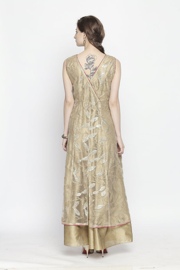 Self embroidered net sleeveless kurta with slits