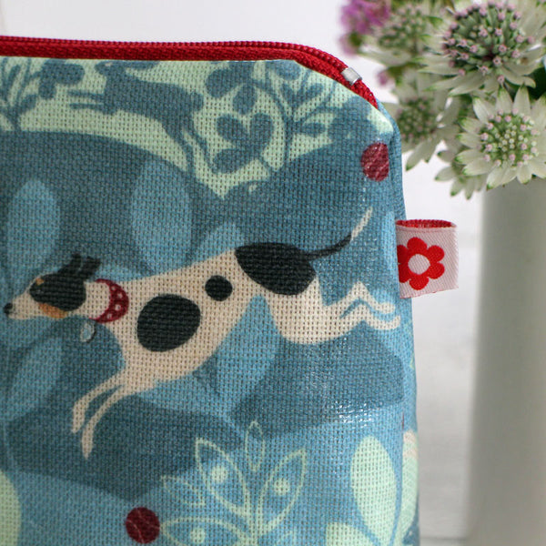 Hecotr the dog washbag by Susie Faulks