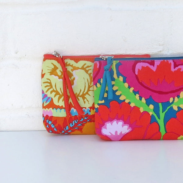 Vegan purses designed by Kaffe Fasset and Aura Que