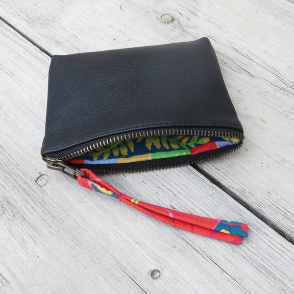 Tilo vegan leather purse featuring Kaffe Fassett fabric