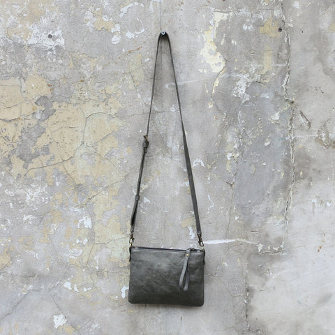 Vegan leather purse in pewter with detachable shoulder strap