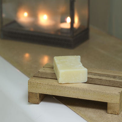Amari sustainable mango wood soap dish