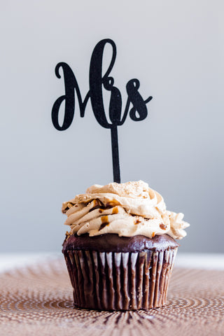 Laser Cut Cupcake Topper - Large Mr or Mrs