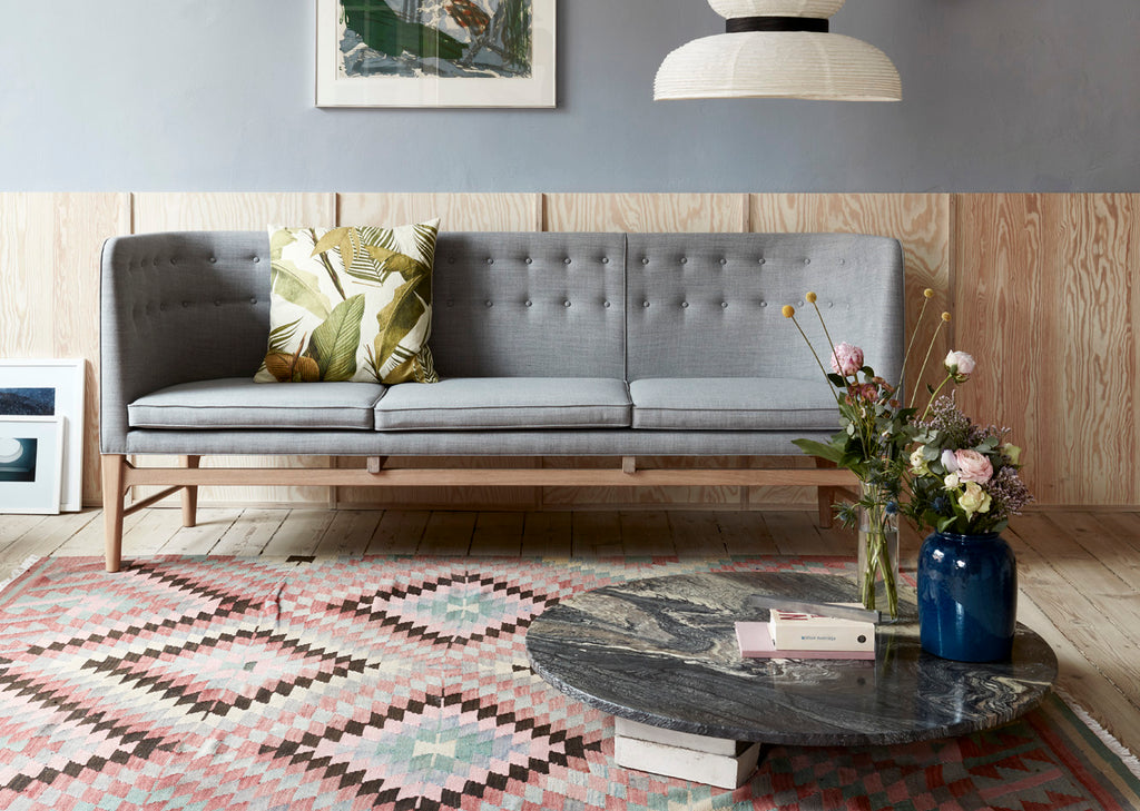 How to : Use Rugs to Spruce Up Your Living Room